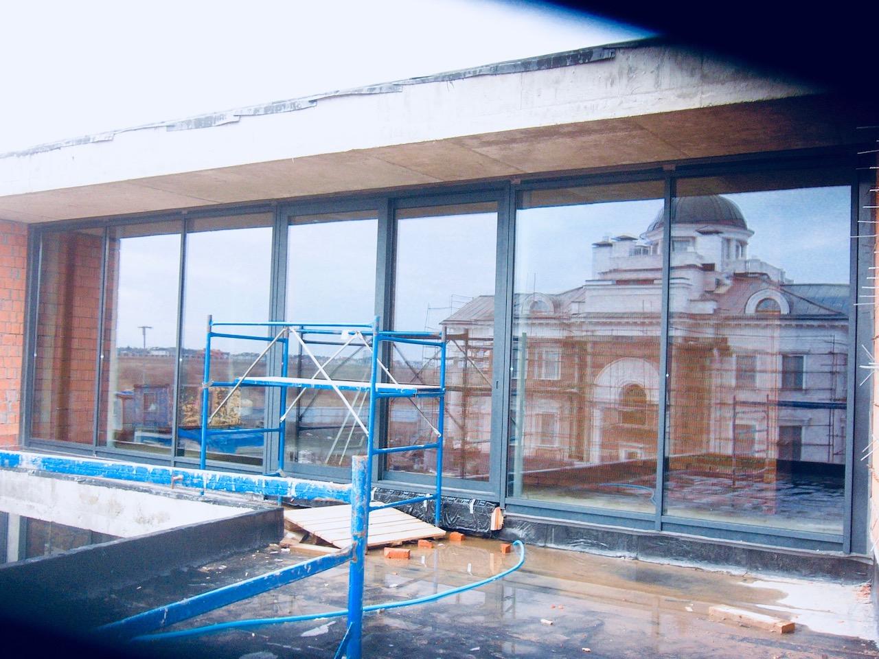Витраж с раздвижной дверью Концепция СПК Москва