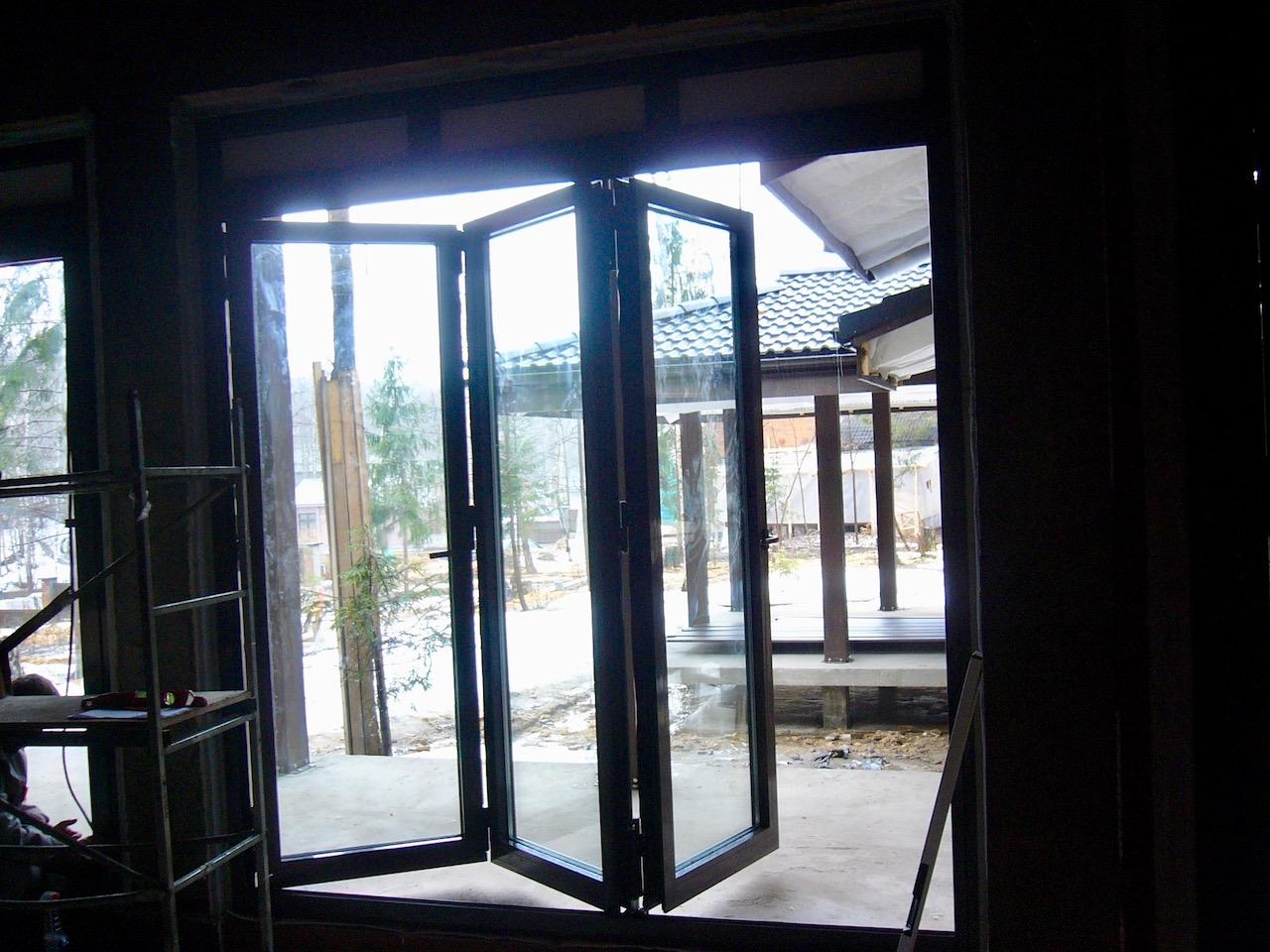 Дверь-гармошка Reynaers Концепция СПК Москва